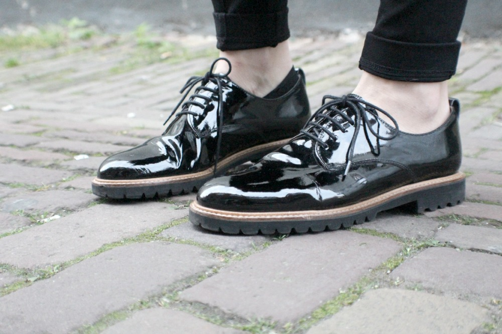 patent leather chunky shoes